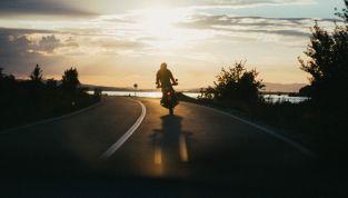 Incidente in moto per Brad Pitt