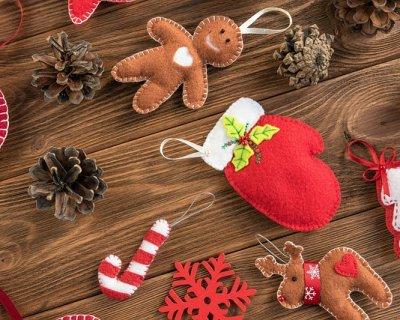 Lavoretti Di Natale Pannolenci.Palline Di Natale In Feltro Fai Da Te