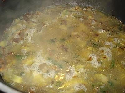 Aggiunta brodo vegetale per la cottura