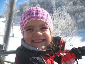 Bimba felice sulla  neve