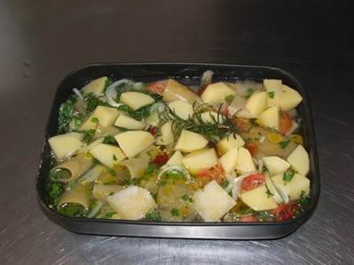 Ingredienti paccheri al forno con patate nella casseruola
