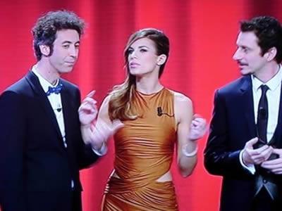 Luca e Paolo e Elisabetta Canalis sul palco di Sanremo 2011