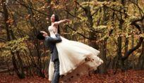 Matrimonio in autunno? Vestiti, accessori e consigli per essere sempre perfette