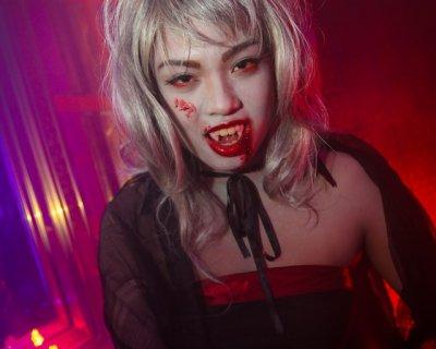 Trucco Halloween Vampiro Uomo.Trucco Halloween Da Vampira Tutorial Ecco Come Si Realizza