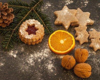 l'albero di natale con biscotti, arance e un pizzico di cannella - Decorazioni Con Biscotti