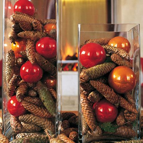Come apparecchiare la tavola di natale con le pigne - Centro tavoli natalizi con pigne ...