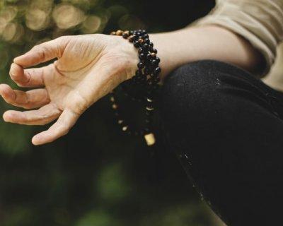 Combatti l'ansia con la meditazione e la creatività