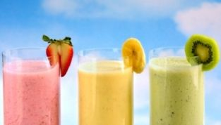 Frullati di frutta golosi e salutari