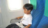 In aereo con bambini piccoli