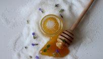 Scrub miele fai da te viso e corpo
