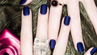 Smalti mat per unghie di tendenza