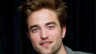 Robert Pattinson uomo più sexy del 2012 per Glamour UK
