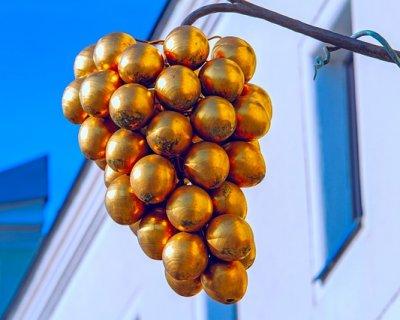 Come realizzare grappoli d'uva natalizi fai da te per decorare casa