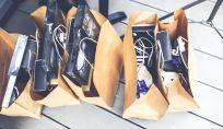Fare shopping aiuta ad essere felici? Spendere o risparmiare?