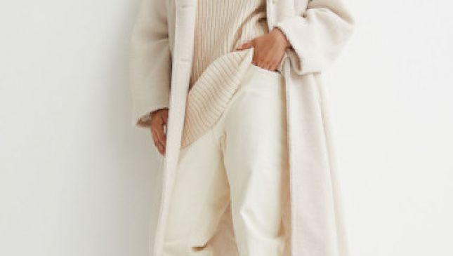 Total white per essere fashion in pieno inverno