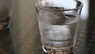 Bere troppa acqua fa male?