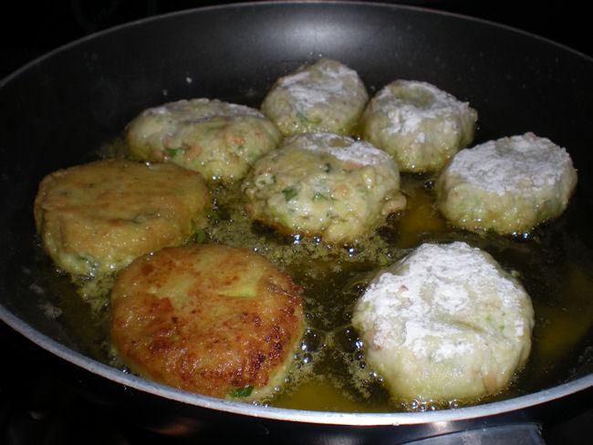 Kolokithokeftedes ovvero polpette greche di zucchine