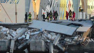 Tragedia a Genova: nave abbatte torre piloti