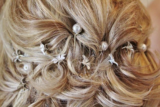 Da non dimenticare assolutamente che la sposa con i capelli corti può anzi 9f8532316dcf
