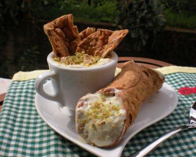 Cannoli sicilliani al pistacchio