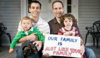 I figli adottati da coppie gay crescono bene