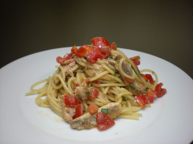Spaghetti con le alici fresche e il finocchietto