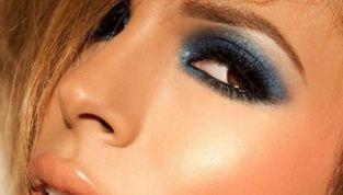 Denim make up: la nuova tendenza estiva e i consigli per realizzarlo