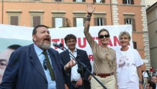 Giuliano Ferrara scende in piazza per Berlusconi