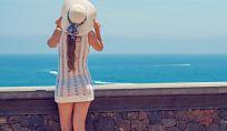 Curare i capelli durante le vacanze per mantenerli belli e sani