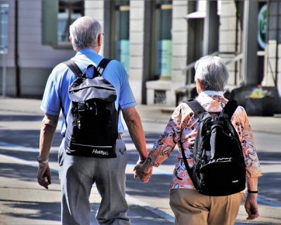 Anziani in vacanza
