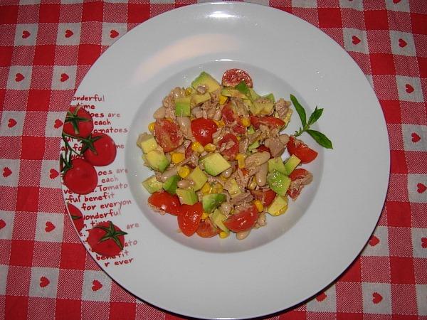 insalata avocado tonno