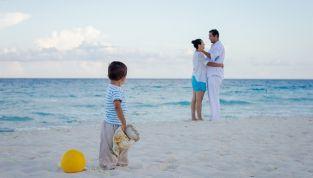 In vacanza con il nuovo partner e i suoi figli