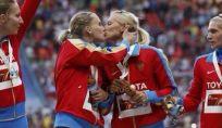 Atletica, il bacio delle russe