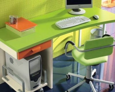 ... angolo studio e la scrivania dei bambini in poco, pochissimo, spazio