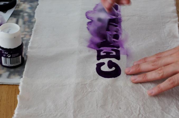 Come creare una scritta personalizzata su tessuto