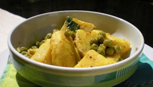 Curry di Patate e Piselli