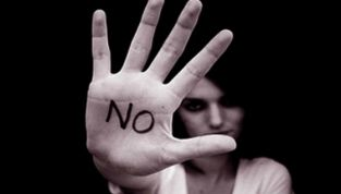 Senato: approvata la legge sul femminicido