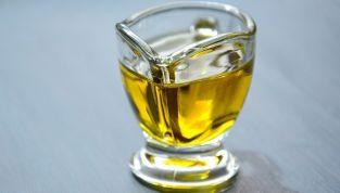 Oil pulling, un antico metodo ayurvedico per migliorare l'igiene orale