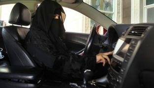 Arabia Saudita: le donne al volante per protesta