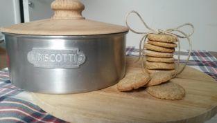 Biscotti integrali con crusca, ricetta vegan per una sana colazione