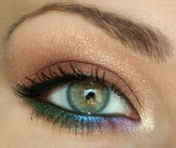 Famoso Trucco per occhi verdi: regole e segreti QV45