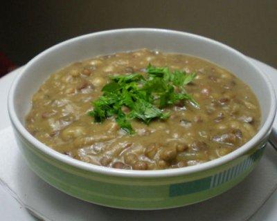 Zuppa di legumi e funghi