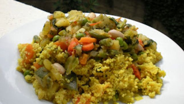 Cous cous di verdure alla curcuma, profumo di spezie in cucina!