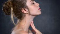 Perdita di tono del viso: le cause più comuni e i rimedi migliori