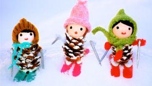 Personaggi natalizi fai da te con le pigne