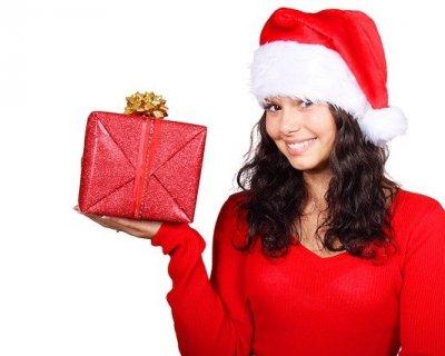 Regali di Natale per donna: le idee migliori per lei