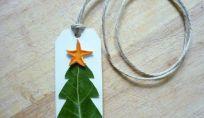 Biglietti di Natale fai da te con alloro e arancia per degli auguri profumati!