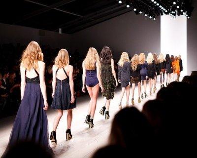 London Fashion Week 2014  le tendenze della capitale britannica 2e1987ab742