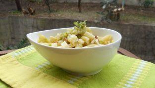 Pasta con crema di zucchine e cipolla rossa: la primavera in tavola!