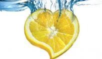 Acqua e limone per il benessere del nostro corpo